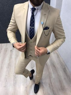 Collection: Spring – Summer 2019 Product: Slim-Fit Suit Color Code: Beige Size: Suit Material: wool, polyester Fitting: Slim-fit Package Include: Jacket, Vest, Pants Only Gifts: Shirt, Chain and Neck Tie Mens Fashion Suits, Mens Suits, Grey Slim Fit Suit, Grey Suits, Cream Suit, Der Gentleman, Designer Suits For Men, Men With Street Style, 3 Piece Suits