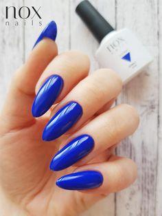 Granatowe paznokcie to odpowiedni wybór nie tylko na jesień czy zimę! Uniwersalność pięknego kobaltowego odcienia, to propozycja która świetnie sprawdzi się także latem! Elegant Nails, Aga, Manicure, Makeup, Beauty, Long Nails, Nail Bar, Make Up, Classy Nails