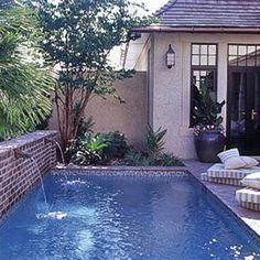 English-style courtyard with lap pool - Coastal Living 2005 Cottage Retreat Kiawah Island - Jackye Lanham
