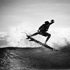 #surf #surfer #surfing #surfergirl #extreme #wave #blackandwhite #ingravidos I