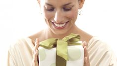 10 gifts women secretly want for Christmas!