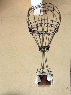 """montgolfière en fil de fer à suspendre """"eleonore création"""""""