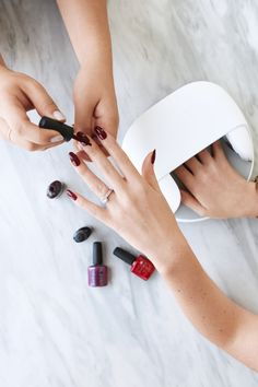 What's better than a day of pampering at the nail salon? The confidence that your #CNDShellac mani will last up to 2 weeks. #ad