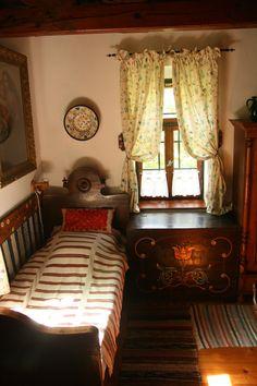 Interior of a traditional Hungarian farmhouse // Cserépmadár Szállás, Hungary Primitive Bathrooms, Cozy Bedroom, Cottage Homes, Architecture, Future House, Decoration, Sweet Home, Interior Design, Beautiful