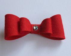 Wool felt bow hair clips www.yanssen.com