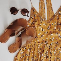 pretty floral dress + criss cross sandals from urban outfitters Urban Outfitters, Looks Style, Style Me, Colorful Outfits, Summer Outfits, Cute Outfits, Dress Summer, Lace Midi Dress, Urban Dresses
