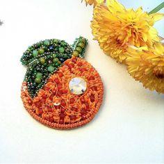 Автор @liliya_berezina   〰〰〰〰〰〰〰〰〰〰〰〰〰〰 По всем вопросам обращайтесь к авторам изделий!!!  #ручнаяработа #брошьизбисера #брошьручнойработы #вышивкабисером #мастер #бисер #handmade_prostor #handmadejewelry #brooch #beads #crystal #embroidery #swarovskicrystals #swarovski #купитьброшь #украшенияручнойработы #handmade #handemroidery #брошь #кольеручнойработы #кольеизбисера #браслеты #браслетручнойработы #сутажныеукрашения #сутаж #шибори #полимернаяглина #украшенияизполимернойглины
