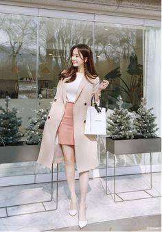 Korean Fashion Dress, Kpop Fashion Outfits, Ulzzang Fashion, Winter Fashion Outfits, Korean Outfits, Mode Outfits, Look Fashion, Fashion Dresses, Korean Winter Outfits