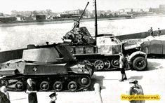 Moszkva. Haditechnikai kiállítás az ellenség járműveiből A sort egy Nimród nyitja mellette egy német légelhárító jármű a sor végén egy szép zrínyi háta látható. 1943. Ww2 Photos, War Dogs, Defence Force, Military Vehicles, Wwii, Plane, Army, History, World War Two
