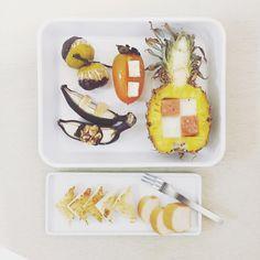 . moooooooooorning friiiiiiiiiiiiiiiiday :-)))))))) . #goodmorning #morning #breakfast #yummy #goodfood #instafood #onthetable  #homemade #foodie #foodstagram #foodphotography #foodphoto #yum #top_food_of_instagram #S_S_iloveBreakfast #朝食 #早餐 #朝ごパン #baked_lunchmeat_mozzarellacheese_pineapple #fetacheese_persimmon  #baked_cottoncandy_walnutchocolate_banana  #chocolate_tangerine