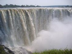 Victoriafalls: What a great escape! Zimbabwe Elephant Hills Hotel.