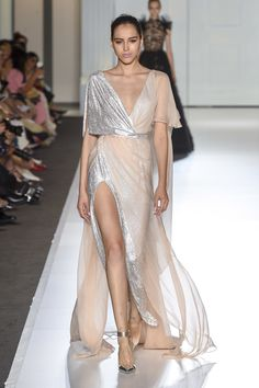 Ralph & Russo Fall 2017 Couture Fashion Show Collection