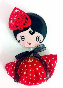 Broche muñeca de madera Flamenco style por MiryokuHandMade en Etsy