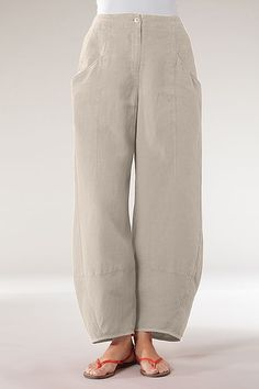 Order our Trousers Benita from our OSKA Spring/Summer 2013 collection today Spirit Clothing, Linen Trousers, Diva Fashion, Pants Pattern, Easy Wear, Shorts, Sewing Clothes, Casual Tops, Fashion Pants
