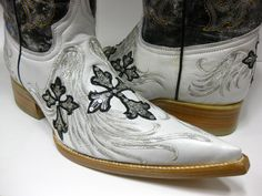 Top quality all leather soles,stacked leather heels, wood pegs ,r einforced with a solid brass nails and steel shanks for maximum durability. Boots run large. Mens Designer Boots, Leather Heels, Rodeo, Cowboy Boots, Westerns, Exotic, Fancy, Stars, Fashion