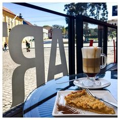 Café Solar do Rosário  Cappuccino  Torta de Maçã  Curitiba - PR - Brasil .... #coffee_and_bakery # #coffee #coffeeoftheday #coffeeaddict #coffeelover #coffeetime #coffeeholic #coffeebreak #coffeelove #coffeeshop #coffeelife #kaffe #kaffee #cappuccino #cappucino #capuccino #bakery #bakerylife #bakerycafe #tortademaça #tortademanzana #applepie #torta #pie #apple #maça #dessert #sobremesa #curitiba