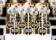 Super bowl sweets (awesome and intricate Super Bowl foods and decor)