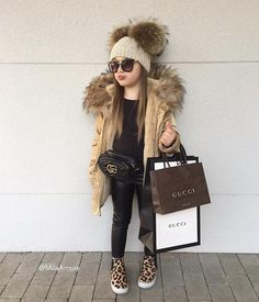 Girls Winter Outfits, Cute Little Girls Outfits, Kids Outfits Girls, Little Girl Fashion, Toddler Outfits, Kids Winter Fashion, Cute Kids Fashion, Little Girl Style, Mom Daughter Matching Outfits