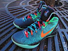 """new concept c0a81 c7fd0 Originally seen on the feet of Blake Griffin during the 2012 NBA All-Star  Game. The Nike Zoom Hyperdunk 2011 Supreme """"Galaxy"""" Blake Griffin looks  super ..."""