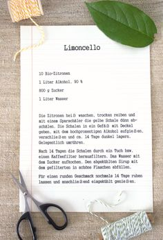 Recipe Perfect for summer: make limoncello yourself – Emma Bee – Cocktail Limoncello Cocktails, Making Limoncello, Homemade Limoncello, Sweet Cocktails, Winter Cocktails, Cocktail Drinks, Tamara, Body Cells, Party Buffet