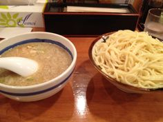 TAISYOUKEN ICHIBAN. Noodle homemade middle thick men, soup has been seasoned sour. Postprandial is remaining soup, soup split, we recommend that you eat in the Ojiya. Chuuka soba, there are 300g many volume in noodles usually prime both noodle.