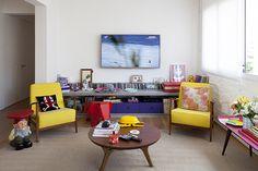 Decoração de: Sala de estar; rack de concreto; Casa de Valentina