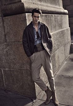 Francisco Lachowski captured by the lens of Leonardo Corredor and styled by Giorgio Ammirabile, for the Fall/Winter 2015 coverstory of Risbel magazine. Francisco Lachowski, Outdoor Shoot, Outdoor Men, High Fashion Photography, Male Photography, Street Photography, Male Fashion Trends, Mens Fashion, Male Models Poses