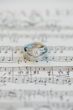 These are a few of our favorite things! Rings!! Jonna & Lee are married ;) Photography by mariannewilson.net