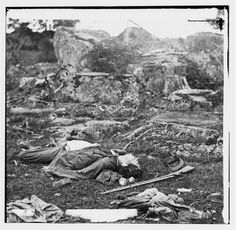 """Dead Confederate Soldiers in """"The Devil's Den"""" - Gettysburg, PA, July 1863"""