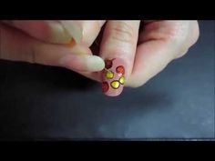 Простой рисунок на ногтях Осенние листья - YouTube