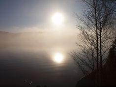 Påskeretreat i Sverige   1. - 6. april 2015 - Sørg godt for dine nye begyndelser Farvel til  . . .  velkommen til  . . . det, der findes lige under overfladen. Som venter på, at du finder tid og ro til at vende dig mod det og mildt og modigt åbne til den indre virkelighed.