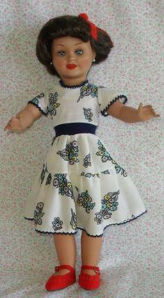 Venta de muñecas de porcelana o de cartón piedra o de celuloide y diferentes materiales y de epocas linda