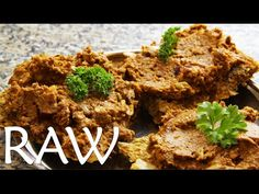 Tataráček – parádní raw vegan paštika - YouTube Raw Vegan, Youtube, Fit, Shape, Youtubers, Youtube Movies, Leaf Vegetable