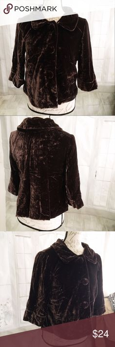 "Autograph Brown Velvet Cropped Blazer Size 6 Vintage style 20"" long, 16"" sleeve, 19.5"" armpit to armpit. Used b But good condition. Rayon/polyester. Lined in polyester.  Dry clean only. Vintage style with 3/4 sleeves and oversized buttons. Autograph Jackets & Coats Blazers"