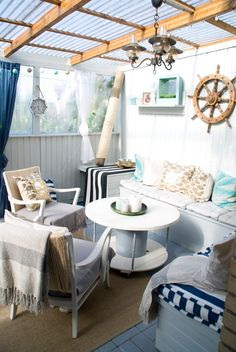 58 Coastal Home Decor For Starting Your Home Improvement - Home Decoration Experts - 58 Coastal Home Decor For Starting Your Home Improvement - Easy Home Decor, Home Decor Trends, Home Decor Styles, Balkon Design, Interior Design Boards, Interior Decorating Styles, European Home Decor, House With Porch, Eclectic Decor