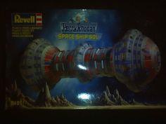 Maquette REVELL 04851 Perry Rhodan vaisseau spatial sol scellés