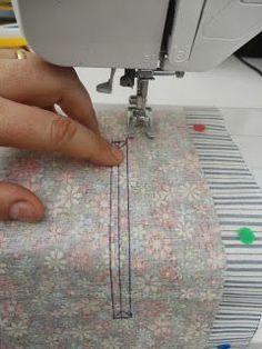 Vamos fazer esse bolso embutido com zíper? É tão fácil que vocês não vão acreditar!  Corte 2 pedaços de tecidos iguais q...