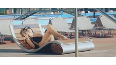 The 'SUN WAVE' lounger is outfitted with a solar panel that will power the unit to charge your devices, while an incorporated safe will keep your valuables protected from theft if you go for a dip or leave the area. Minimalist Design, Modern Design, Hidden Safe, Luxury Shower, Hotel Pool, Unique Hotels, Save Water, Traditional Design, Outdoor Furniture
