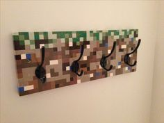 Minecraft coat rack // created by Mike Broesky Minecraft Bedroom Decor, Minecraft Room, Minecraft Decorations, Minecraft Crafts, Minecraft Skins, Minecraft Buildings, Minecraft Bedding, Creeper Minecraft, Minecraft Party