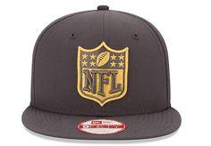 """O """"draft"""" da NFL é um evento realizado para apresentar novos jogadores profissionais para a próxima temporada da liga, realizado no último final de semana em Chicago (EUA). A New Era vem apostando na..."""