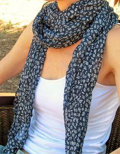 Fular de seda y algodón azul 7,35€ - CMK Crochet, Fashion, Silk, Ponchos, Blue Nails, Moda, Fashion Styles, Ganchillo, Crocheting