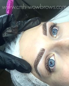 Hair Stroke / Feather Touch / Microblading / Microstroke / Tattooed Eyebrows In Tweezing Eyebrows, Threading Eyebrows, Microblading Eyebrows, Natural Eyebrows, Natural Makeup, Eyebrow Game, Eyebrow Makeup, Makeup Eyes, Dip Brow