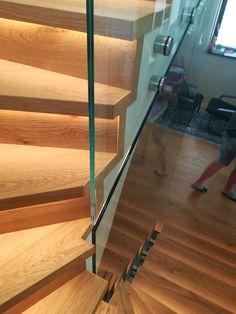 sklenené zábradlie pri točených schodoch Stairs, Home Decor, Ladders, Homemade Home Decor, Stairway, Staircases, Decoration Home, Stairways, Interior Decorating