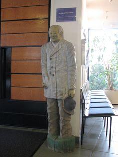 kirkkojen vaivaisukkoja Wooden Statues, Wooden Sculptures, Finland, Combat Boots, Countries, Men, Guys