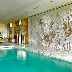 Water and tropical flowers turn nature into pure beauty. See more of our swimming pool mosaic solutions. Spa Design, Wall Design, House Design, Swimming Pool Mosaics, Swimming Pools, Tropical Pool, Tropical Flowers, Sicis Mosaic, Modern Pools