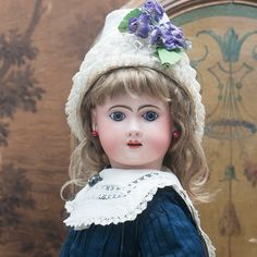 French antique dolls. Antique dolls at Respectfulbear.com Sweet Violets, Doll Maker, Antique Dolls, French Antiques, Doll Clothes, Boudoir, Temple, German, Victorian