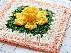 Granny daffodil Free Crochet Granny Square Pattern