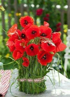 3 Mai, Flower Arrangements, Poppies, Seasons, Spring, Flowers, Plants, Inspiration, Beautiful