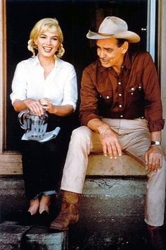 Marilyn Monroe & Clark Gable on the set of 'The Misfits', 1961.