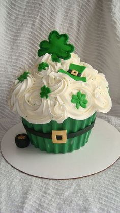 Giant Cupcake Cake for St. Pattys Day